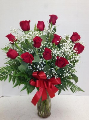 "<img src=""image.gif"" alt=""PES designs a Dozen red roses"" />"