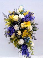 Wedding flowers garden style