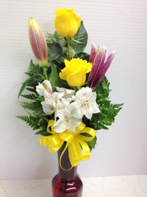 yellow roses and lilies