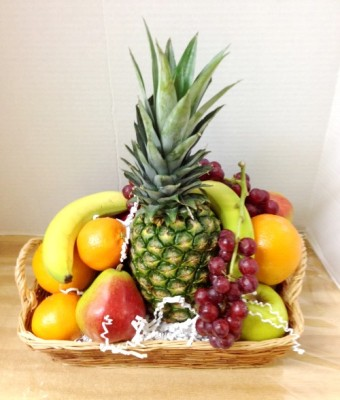 "<img src=""image.gif"" alt=""This is Amazing Fresh Fruit"" />"