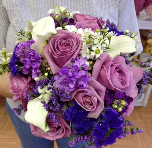 wedding lavendar roses