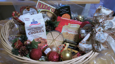 100 gift basket for Christmas