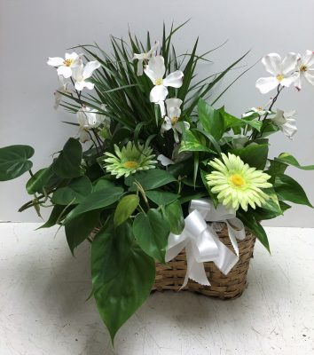 Get silk flowers florist phoenix flower delivery phoenix az you can also choose life like silk flowers to poke around your garden or swimming pool to bring life to your outside in the heat of the summer and mightylinksfo