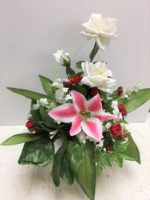 Life-long silk roses and lilies