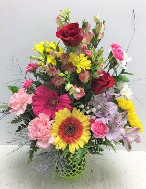 A Lattice bouquet of flowers